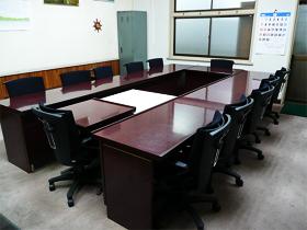 ハンガー付き会議椅子